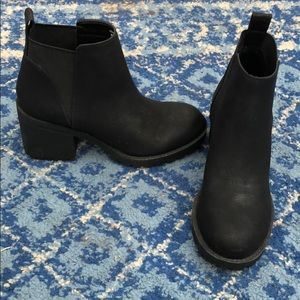 Black Dirty Laundry Booties